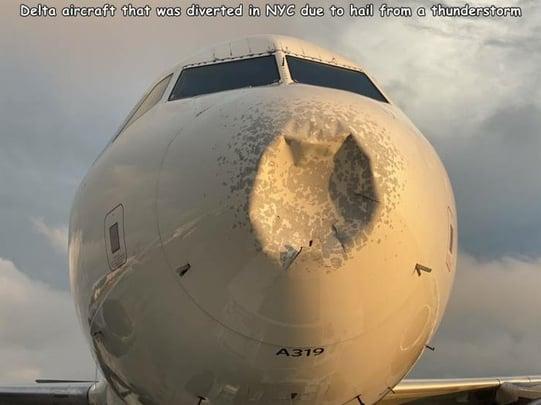 airplane-hailstorm